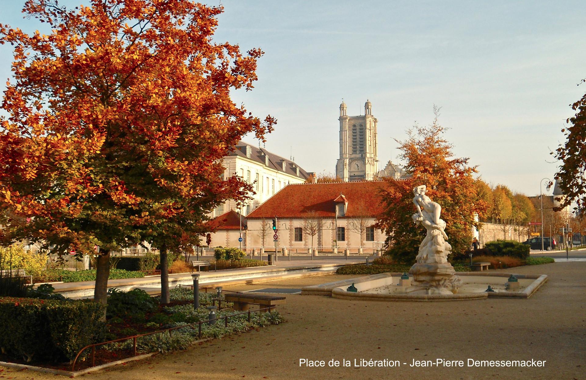 Troyes, découvrez la et aimiez la ...